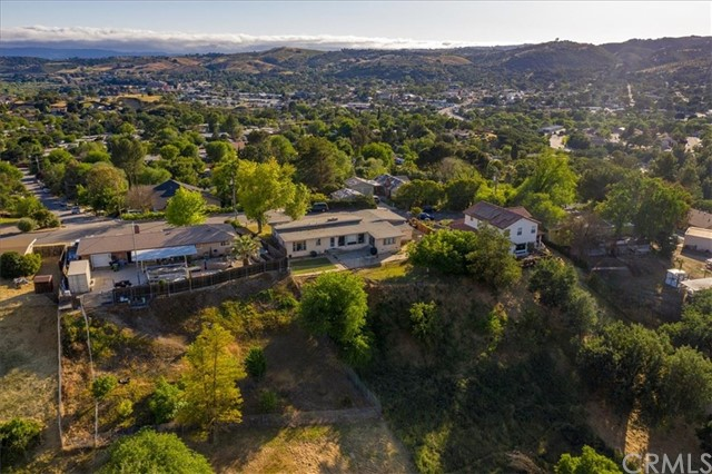613 Shannon Hill Drive Paso Robles Home Listings - RE/MAX Parkside Real Estate Real Estate