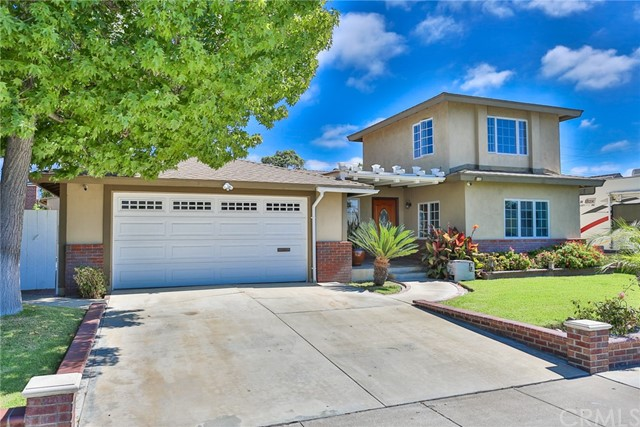 15332 Stanford Lane Huntington Beach, CA 92647 OC18234074