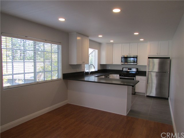 2330 Vanguard Way Costa Mesa, CA 92626 OC18178222