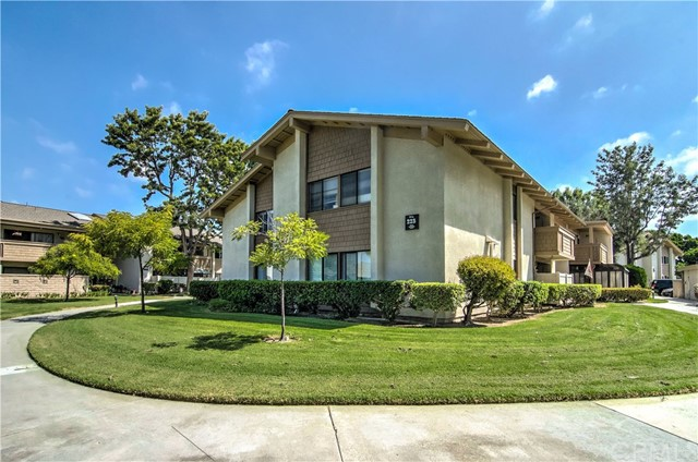 8933 Biscayne Court Huntington Beach, CA 92646 OC18219557