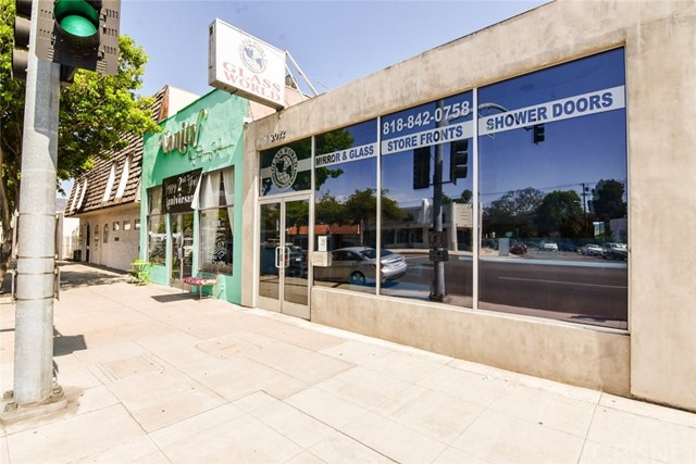 2012 W Burbank Boulevard Glendale  Home Listings - Green World Realty and Financial Services Glendale Real Estate