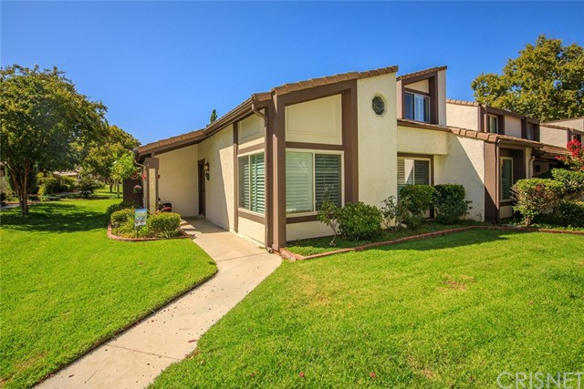 24678 Golfview Drive Valencia, Santa Clarita Home Listings - Lauren Lefkowitz Greber Real Estate , short sales, foreclosures, homes for sale, valencia, santa clarita, stevenson ranch, canyon country, newhall, saugus, castaic, first time buyers, home loans, mortgage, realtor, realty ex